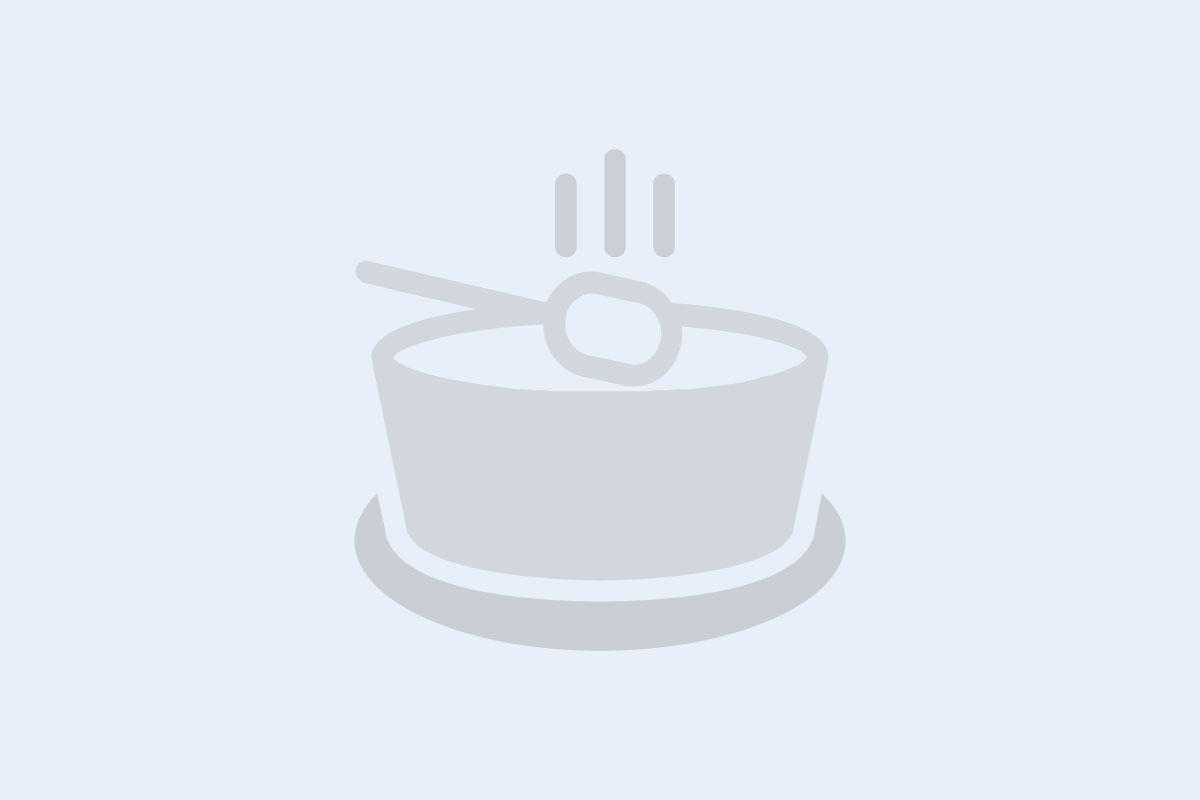 Gjyveç me oriz (Tavë me oriz dhe mish në furrë)