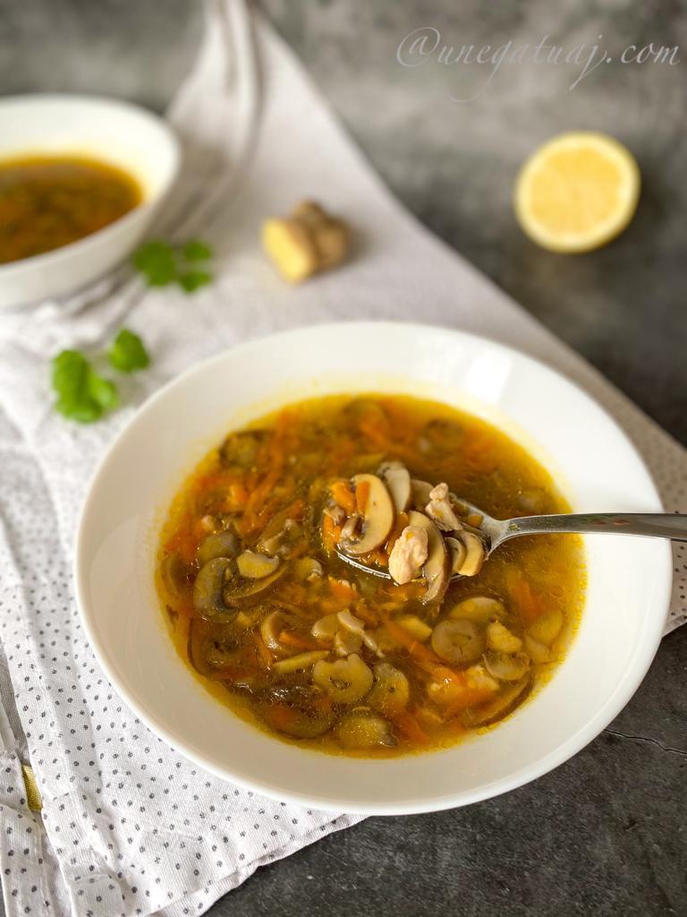 Supë me aroma orientale