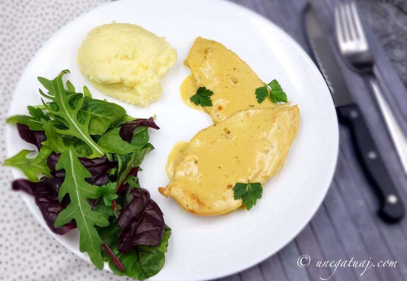 Fileto pule me salcë mustarde
