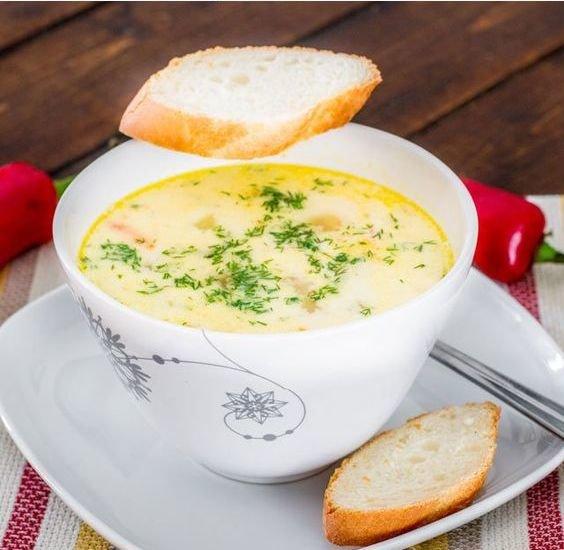 Supë krem me pulë dhe të verdhë veze