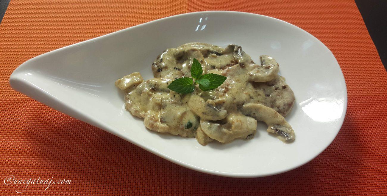 Fileto viçi me pana dhe kërpudha
