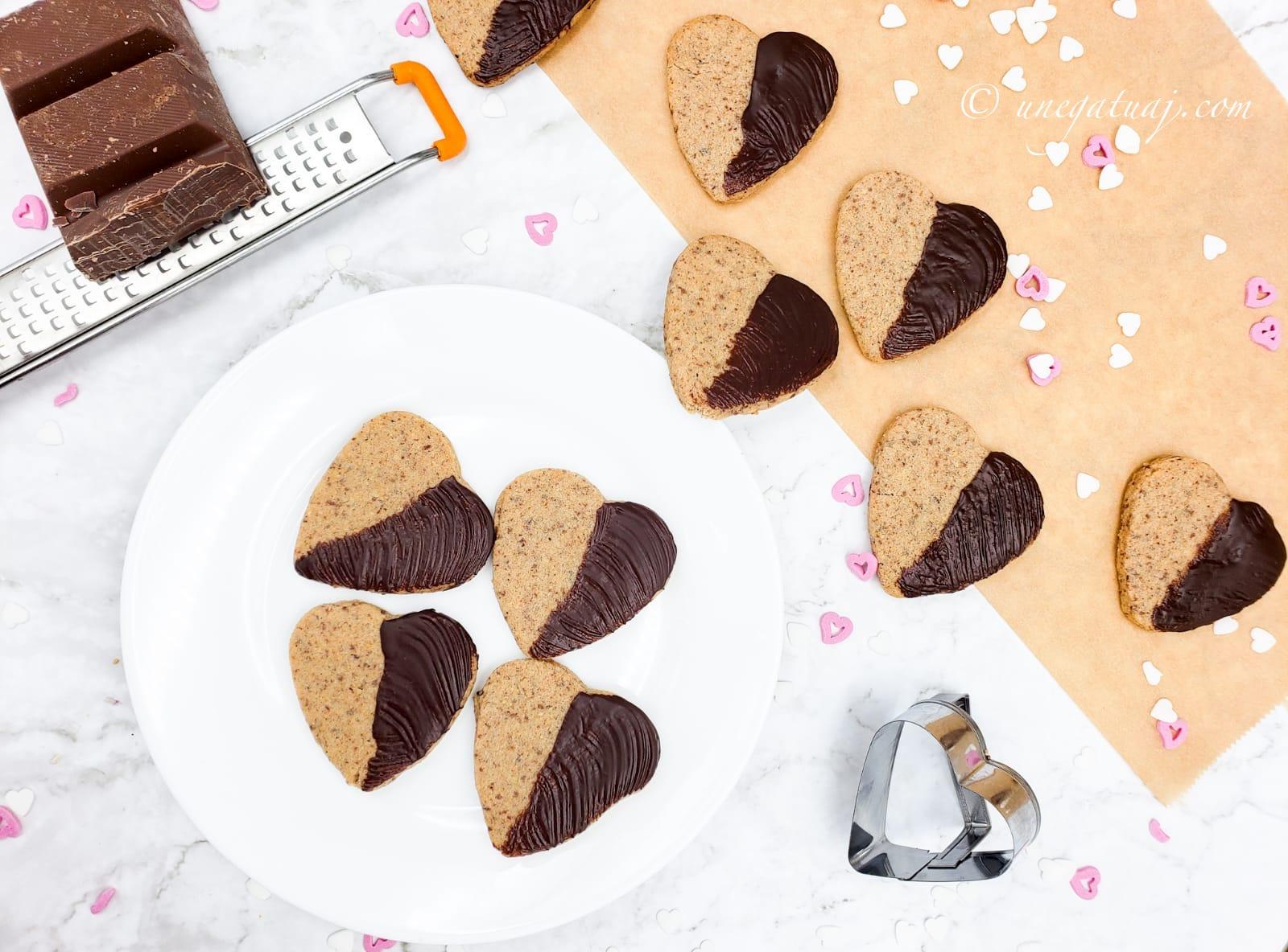 Biskota me çokollatë dhe lajthi